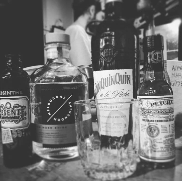 melbourne-moonshine-whisky-library